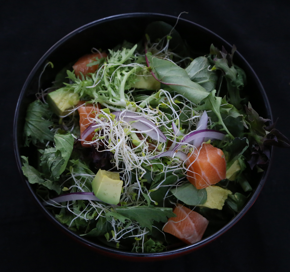 Vege-Salad-with-raw-salmon